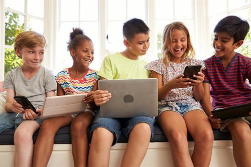 https://www.lovingparents.in/kids/kids-5-12-years/internet-smarts-keeping-your-kids-safe-online/