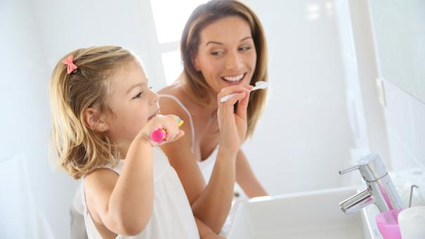 https://www.lovingparents.in/kids/kids-3-5-years/tips-to-teach-brushing-to-the-toddler/