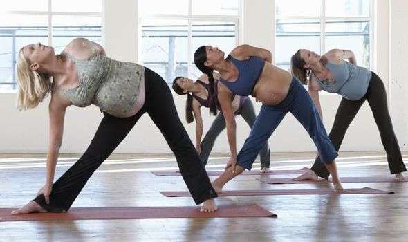 Low-impact aerobics exercises for last month of pregnancy