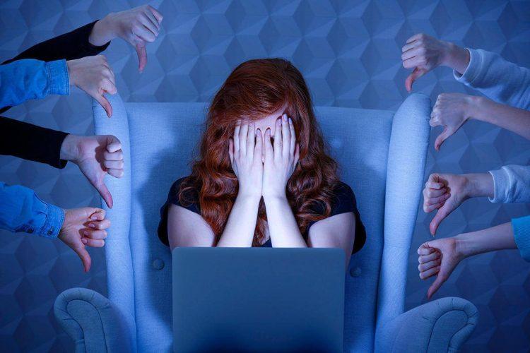 social media life stress