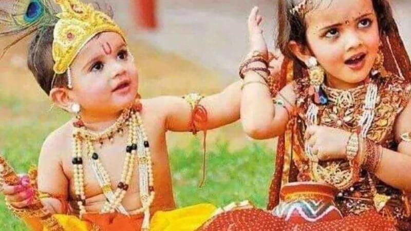 kids dress up for Janmashtami